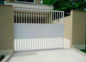 Portão de correr de alumínio