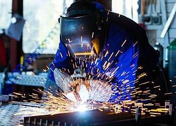 Manutenção em serralheria industrial